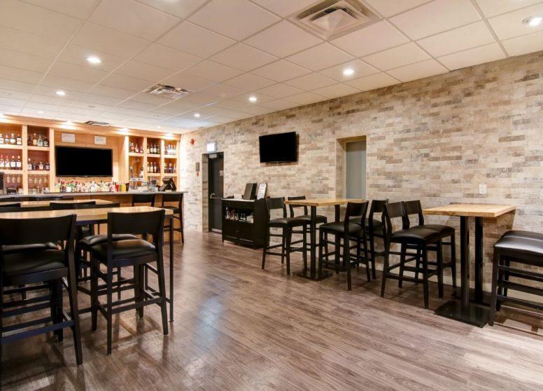 West Edmonton Hotel11 (1)