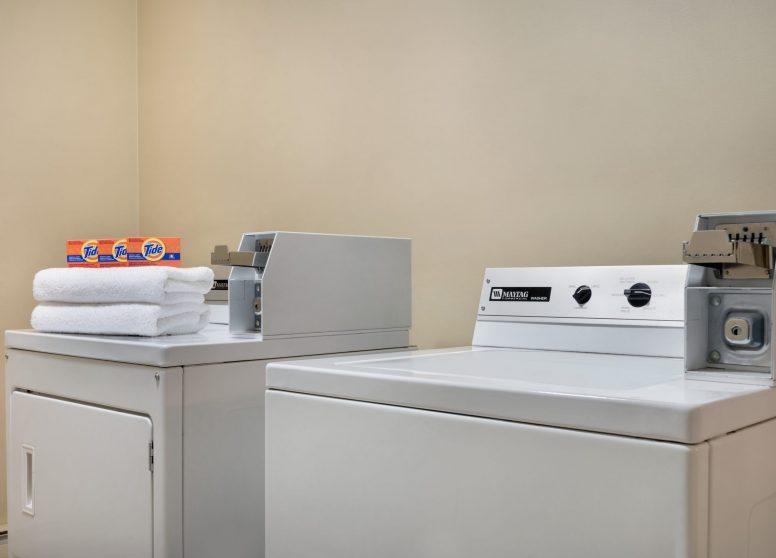 Travelodge Edson - Laundry - 1450345